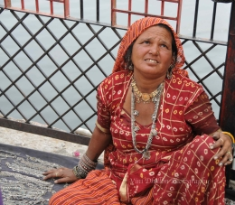 Please buy a bracelet- Udaipur